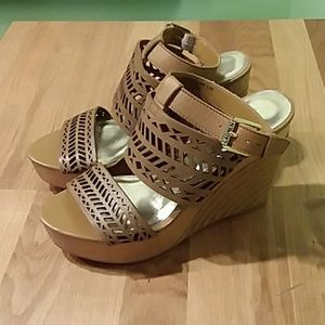 🎈 Lauren Ralph Lauren Wedges